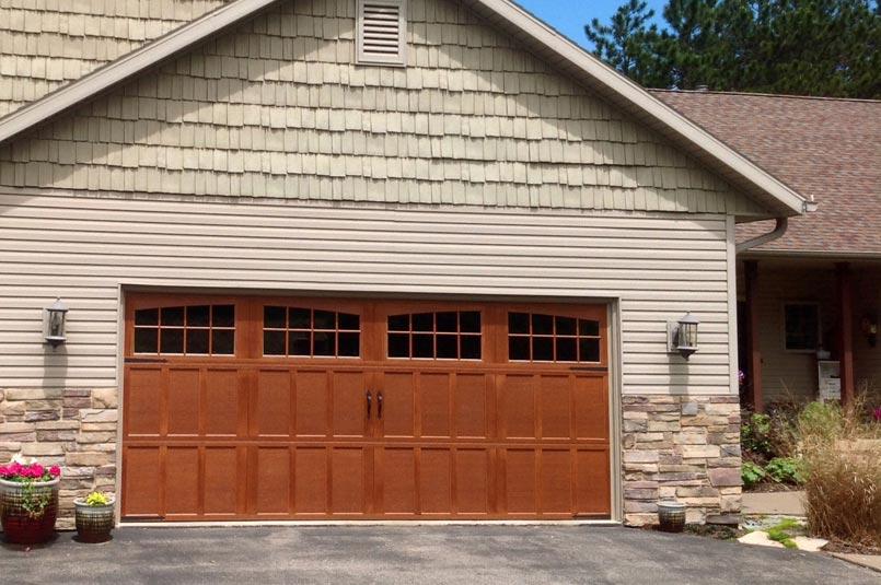 carriagehouse garage door