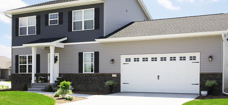 4 Signs It's Time For a New Garage Door (1)